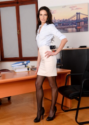 Linda Moretti, Csoky Ice - Маленькие сиськи - Галерея № 3601496
