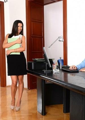 Alexa Tomas - Секретарша - Галерея № 3480421