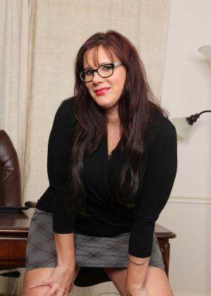 Dylan Dole - Секретарша - Галерея № 3530240