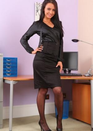 Sarah Arnold, Sarah E - Секретарша - Галерея № 3521264