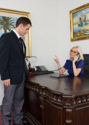 Brandi Edwards - Секретарша - Галерея № 3344681