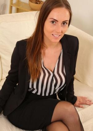 Lauren Wood - Секретарша - Галерея № 3509207
