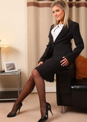 Naomi K - Секретарша - Галерея № 3515985