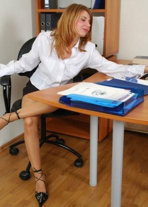 Секретарша - Галерея № 3035431