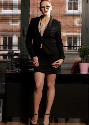 Секретарша - Галерея № 3501086