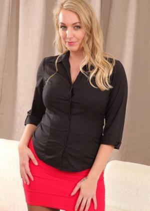 Hayley Marie - Секретарша - Галерея № 3505369