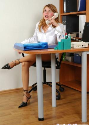 Секретарша - Галерея № 3036043