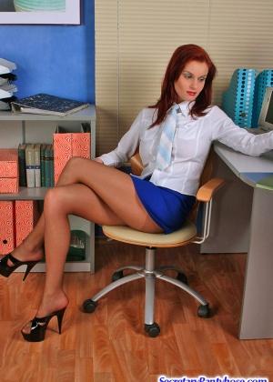 Секретарша - Галерея № 3090773