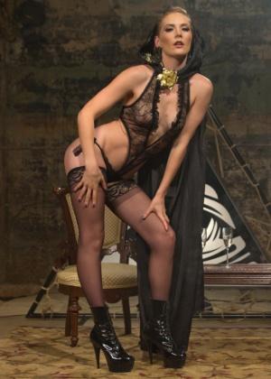 Mona Wales, Daisy Ducati - Сквирт (струйный оргазм) - Галерея № 3452843