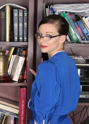 Секретарша - Галерея № 3489391