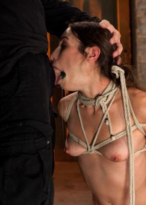 Amber Rayne, Isis Love - Сквирт (струйный оргазм) - Галерея № 3436458