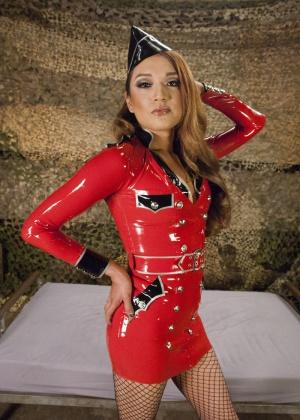 Jessica Fox, Simone Sonay - В чулках - Галерея № 3538346