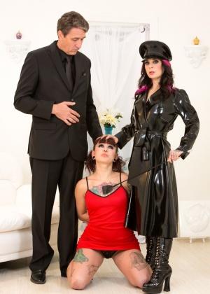 Joanna Angel, Amelia Dire, Steve Holmes - С тату - Галерея № 3516793