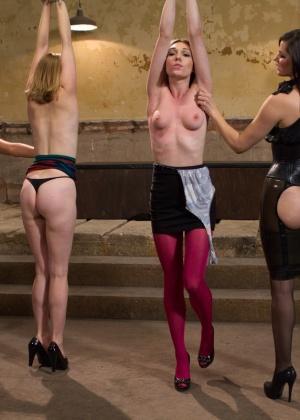 Bobbi Starr, Maitresse Madeline, Mallory Mallone, Lily Labeau - Страпон - Галерея № 3476934
