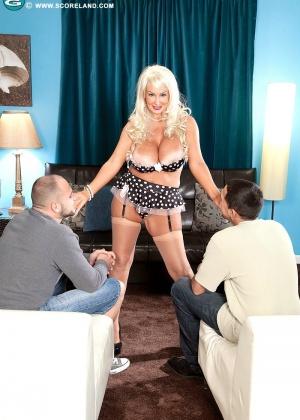 Brittany O'neil, Brittany Oneil, Britney O'neil - Секс втроем - Галерея № 3545304