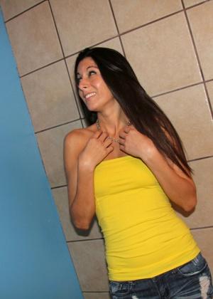 Nikki Daniels - В туалете - Галерея № 3443019