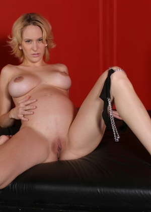 Ruth Blackwell, Erin Moore - Секс втроем - Галерея № 2744060