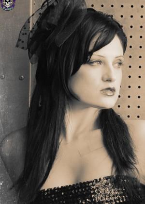 Annika Amour - Под юбкой - Галерея № 3549590