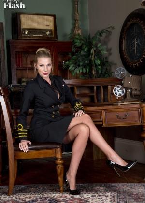 Danielle Maye - В униформе - Галерея № 3519534