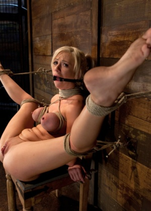 Kaylee Hilton - Секс игрушки - Галерея № 3437089