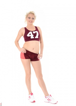 Tricia Teen - В униформе - Галерея № 3507993