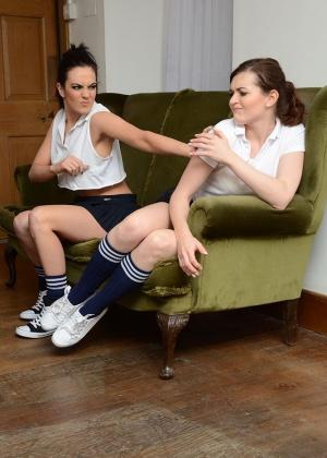 Becky Gilbert, Fawna Latrisch - В униформе - Галерея № 3514352