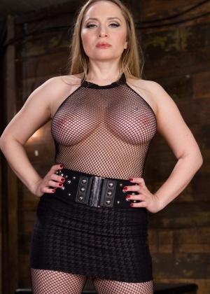 Aiden Starr, Claire Robbins - Секс игрушки - Галерея № 3489947