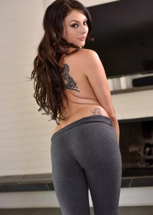 Megan Sage, Nina North, Arya Fae - Йога - Галерея № 3612072
