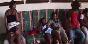 Оргия пьяных африканцев