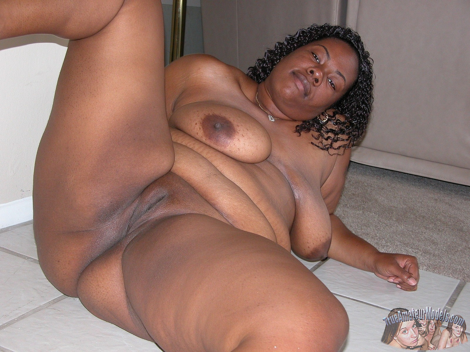 fat-sexy-ass-girl-afro-nude
