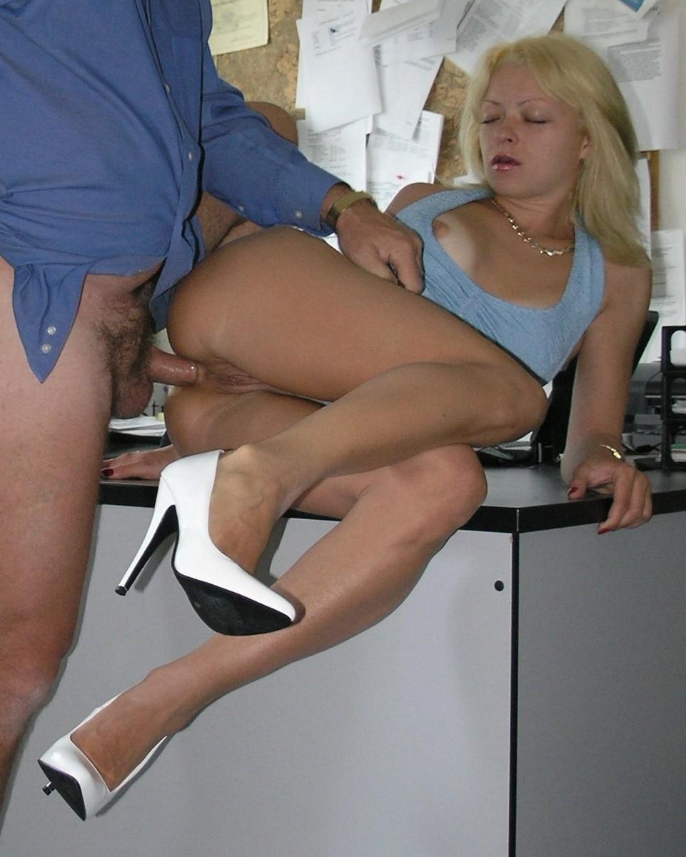 Блондинка по вызову