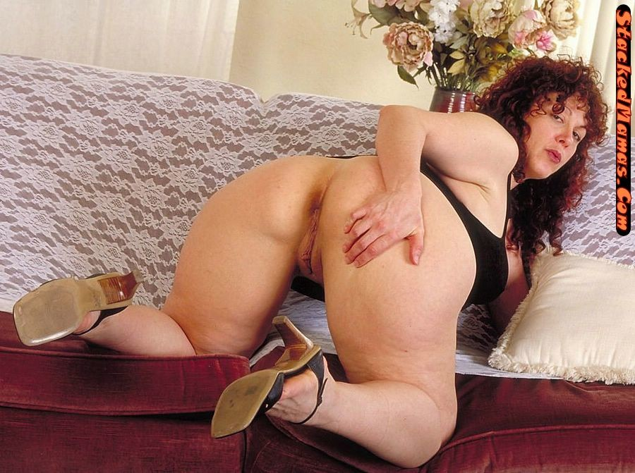 fat-yvette-naked