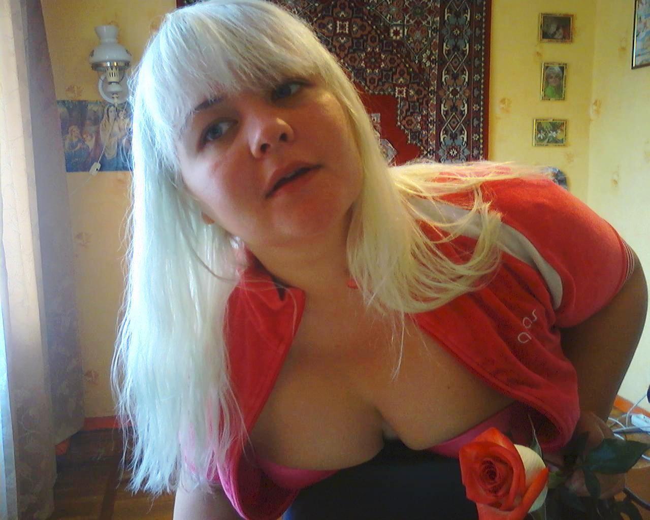 Пухлая Татьяна мечтает, что ее когда-нибудь выебет черный член