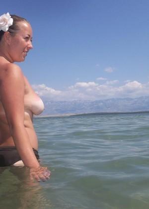 Голые на пляже - подборка 031