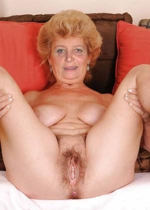 Пожилые женщины раздвигают ноги - подборка 001