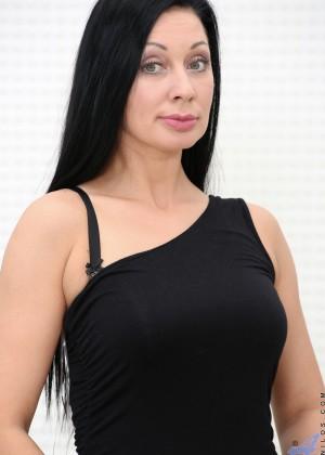 Ева Анн ебется с длинным хером