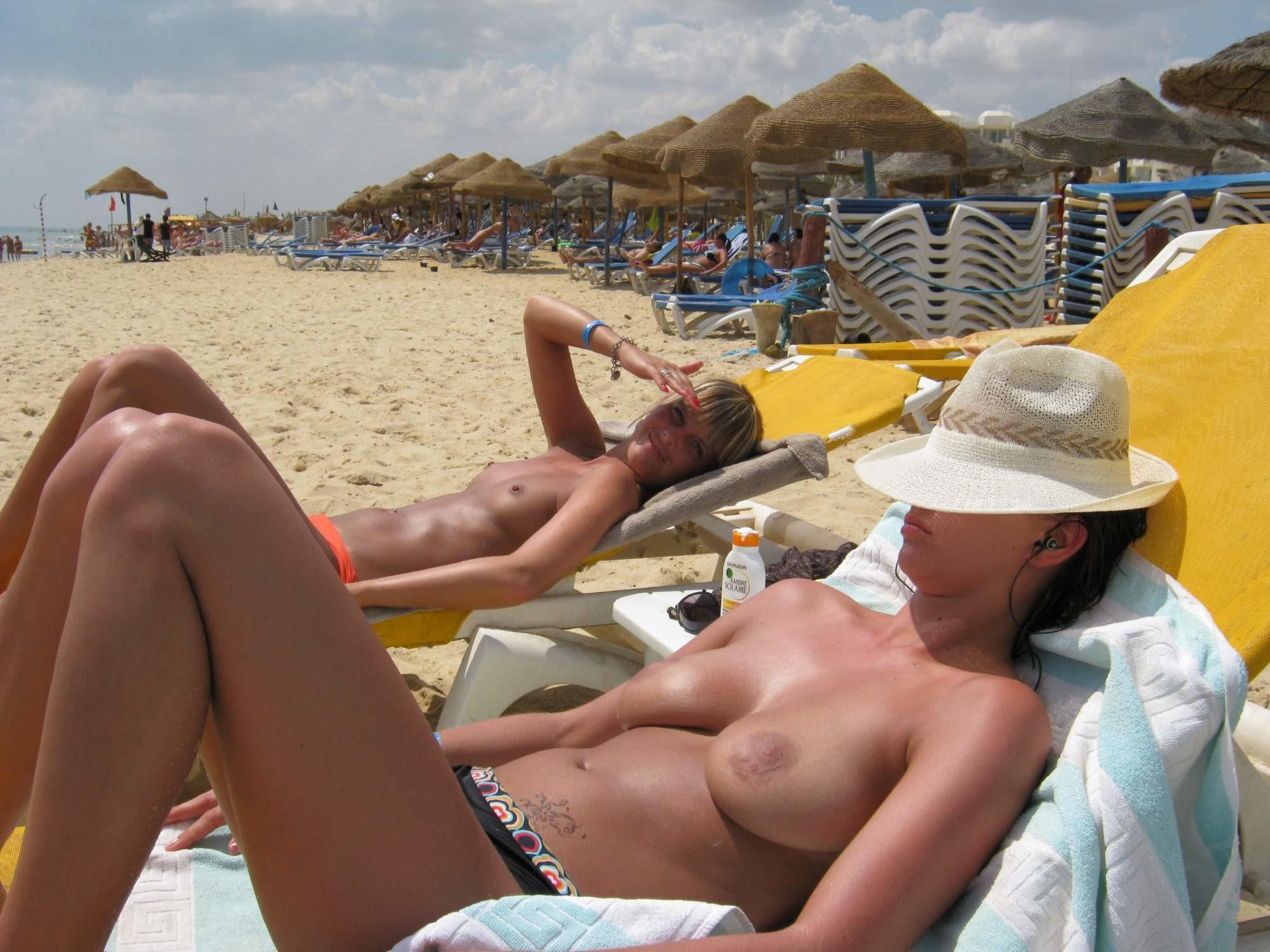 Голые на пляже - подборка 034