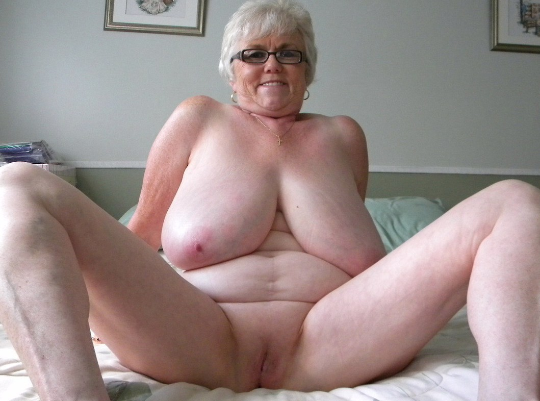 very-fat-big-naked-older-granny-from-ghana-selfies-of-mature-naked-women