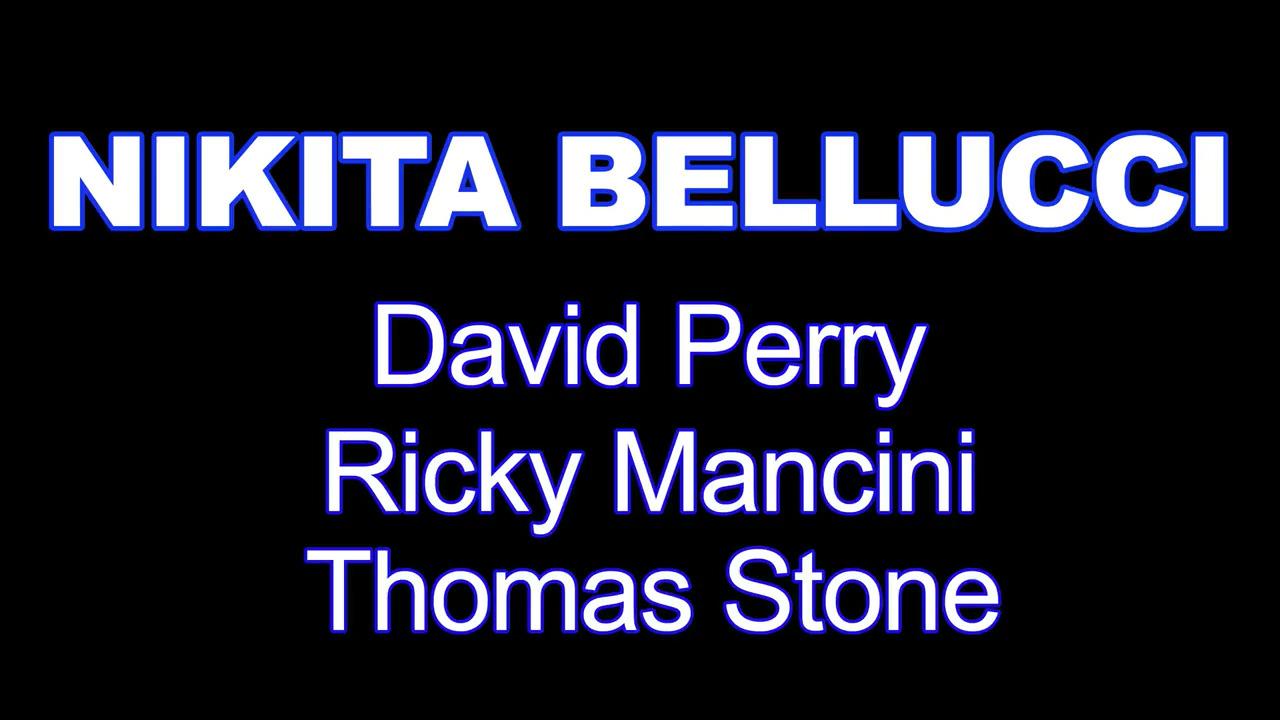 Три самца ебут Nikita Bellucci