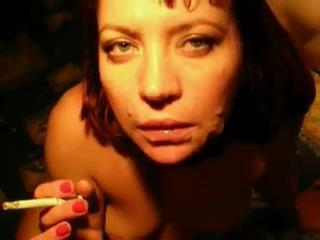 Марина курит со спермой на лице