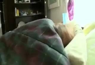 Секс с подружкой утром
