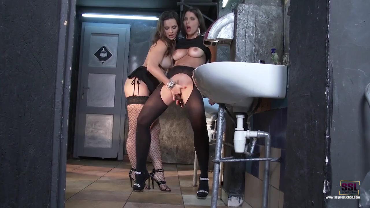 Суперские лесбиянки Eve Angel и Zafira