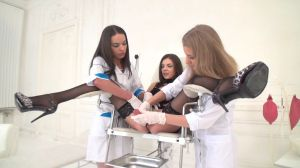 Молочные клизмы перед бешенной оргией с неграми