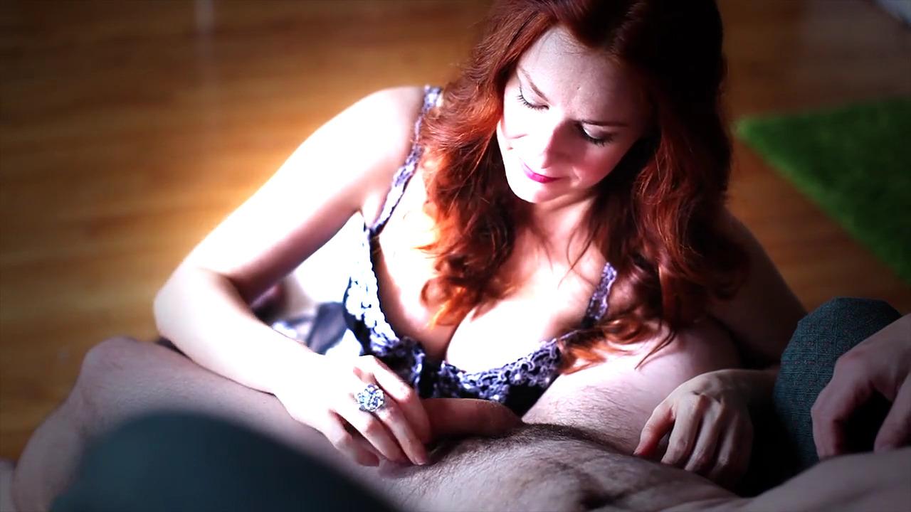 Опытная вафлистка Camille Crimson делает нежнейший минет