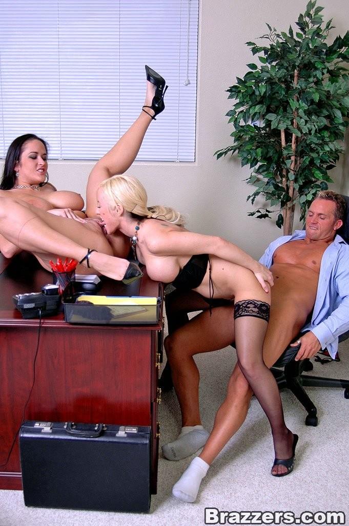 секретарши на работе порно фото