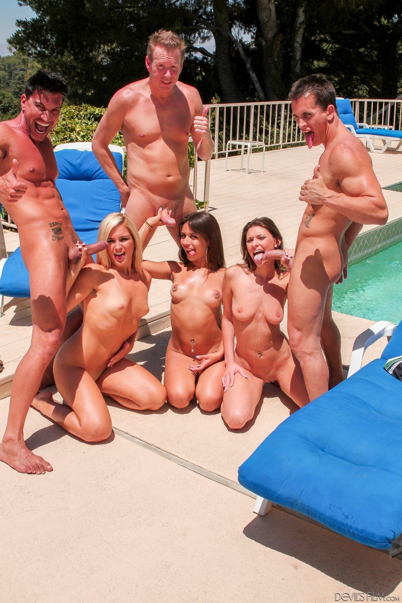 bikini-orgiya