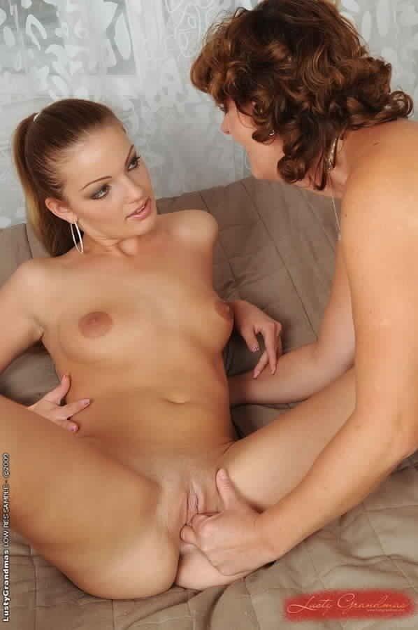 Фото голых негритосок с большой грудью