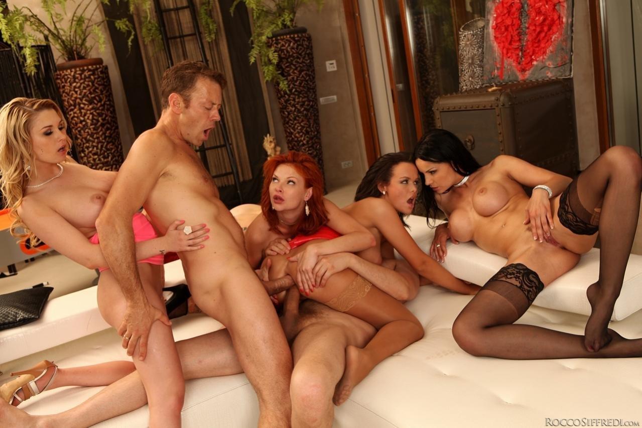 Секс групповой лесбиянок