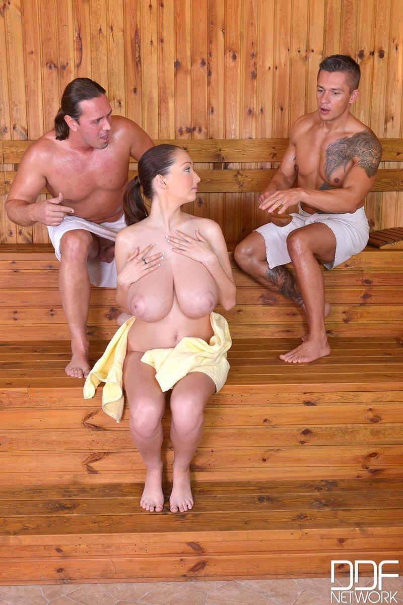 porno-babushek-v-saune