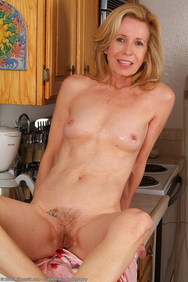 Flat Nudes